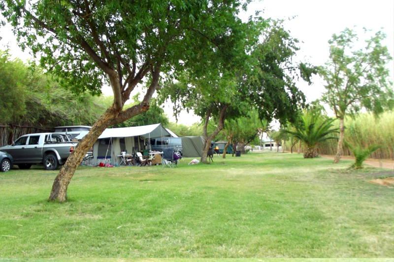 Caravan park campers at Karoowater Guest Farm, between Oudtshoorn & Calitzdorp, Western Cape